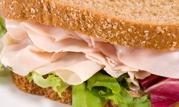 Pan, queso, embutidos… ¡disfruta de ellos sin renunciar a cuidar la línea!