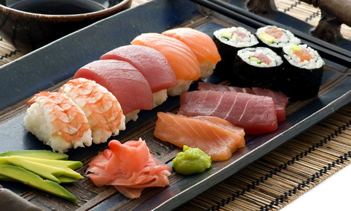 Cinco buenas razones para incluir el 'sushi' en tu dieta 'post-Navidad'