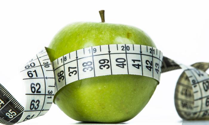 Si quieres decir adiós al peso ganado en Navidad… ¡aléjate de las 'dietas milagro'!