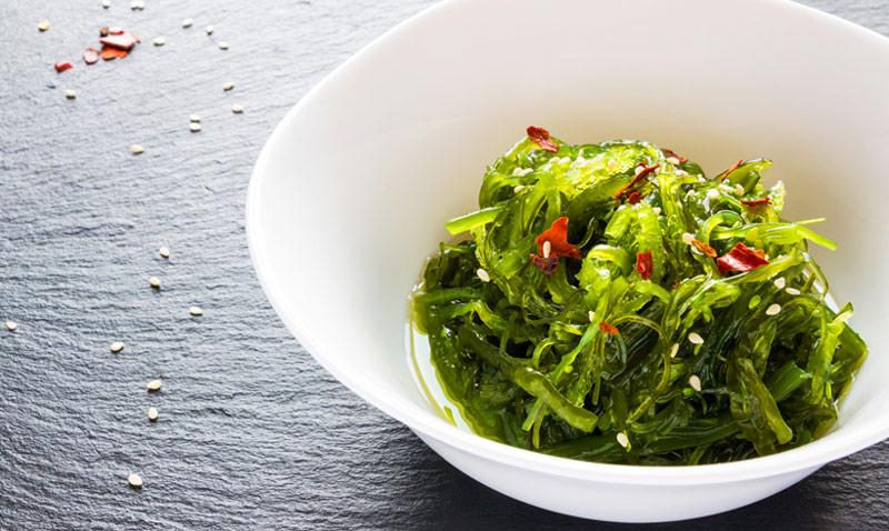 Alga wakame verde propiedades