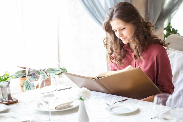 Operación bikini: ¿Cómo comer 'de restaurante' sin arruinar tu línea?