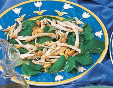 Ensalada de pollo con cacahuetes