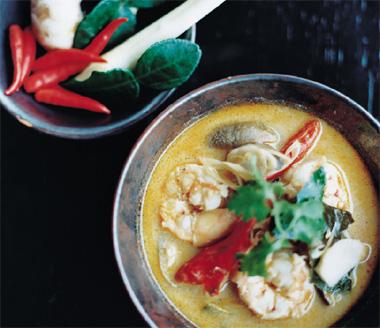 Tom yam goong (sopa de langostinos con lemongrass)