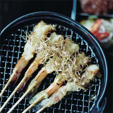 Goong yang dakrai (langostinos en barbacoa con lemongrass)