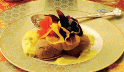 Helado con salsa de yogur (Kulfi shirikand)