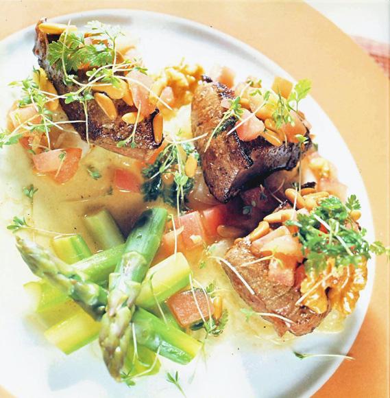 Ensalada de h gado de ternera con esp rragos verdes for Cocinar higado de ternera