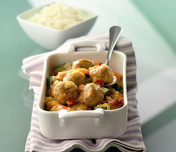 Albóndigas con verduras al curry