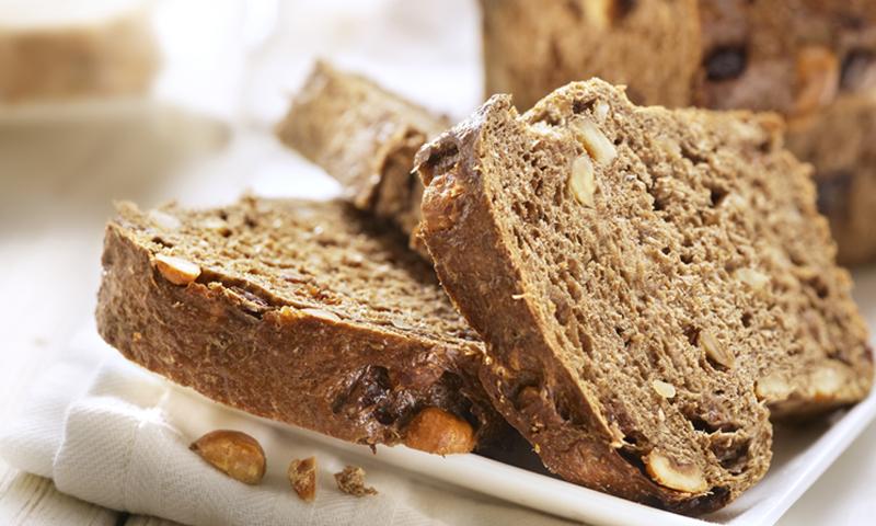 Pan integral de manzana y nueces