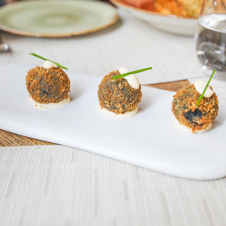 Croquetas de choco con alioli de yuzu
