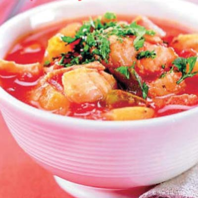 Sopa de bacalao fresco con patatas y tomate - Patatas en caldo con bacalao ...