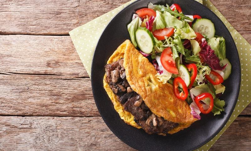 Tortilla vegetal con medallones de ibérico
