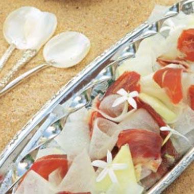 Ensalada fría de virutas de melón y jamón