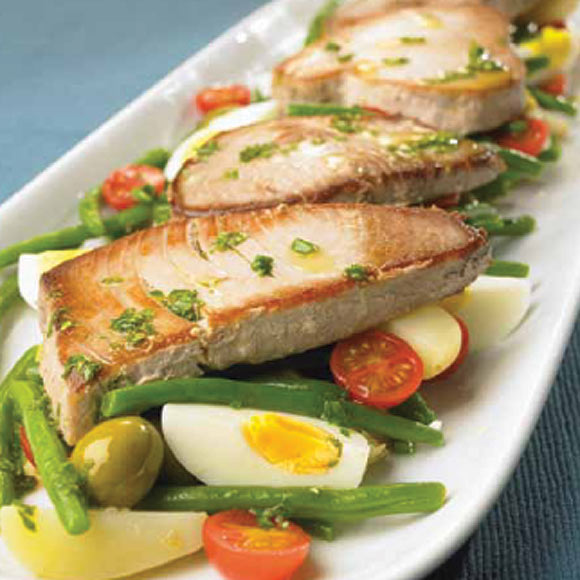 Filetes de atún a la plancha con ensalada de judías verdes