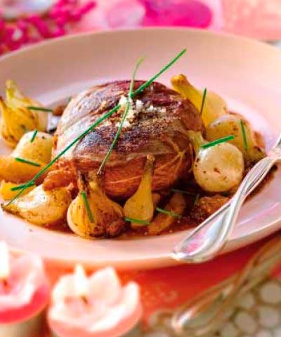 Magret de pato con salsa de frutas secas y cebollitas for Como cocinar habas secas
