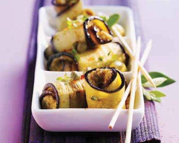 Rollitos de berenjena rellenos de huevo y anchoa