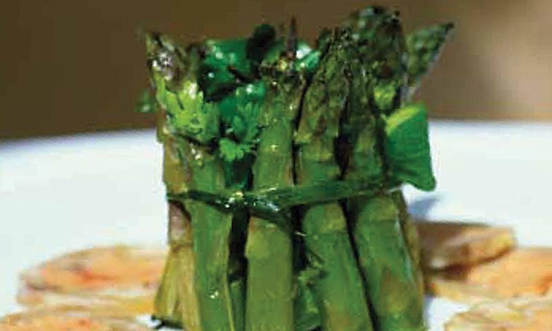 Corona de trigueros con gelatina de foie