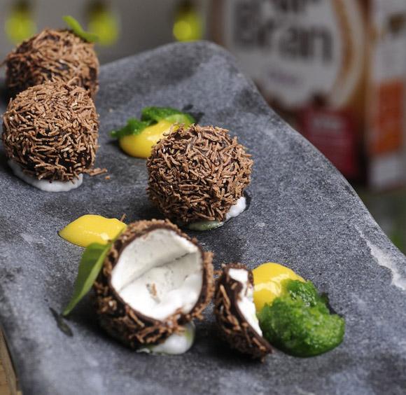 Mini cocos de cereales con chocolate