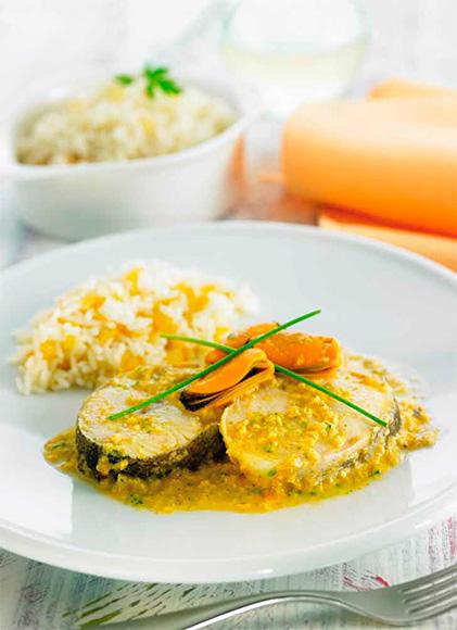 Bacalao con salsa de mejillones y arroz basmati