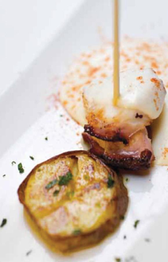 Pulpo en dos texturas de patata