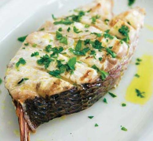 Bacalao con salsa de limón a la brasa