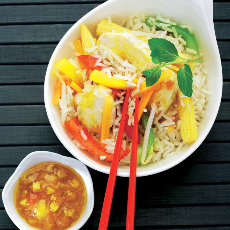 Pollo thai con arroz, verduras y salsa agridulce
