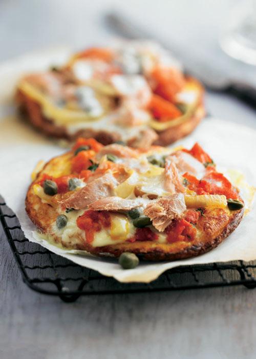 'Pizza' de atún con tomate y 'mozzarella'