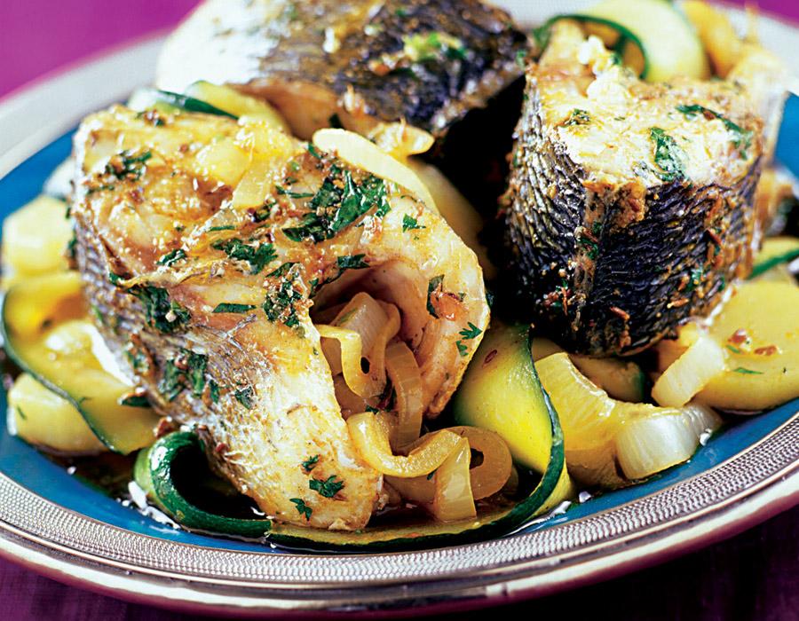 Lubina guisada con verduras