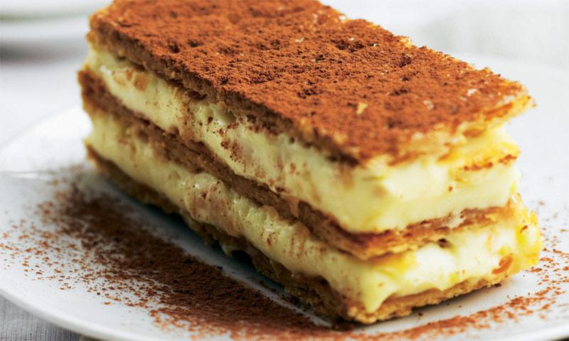 Milhojas de crema pastelera y cacao