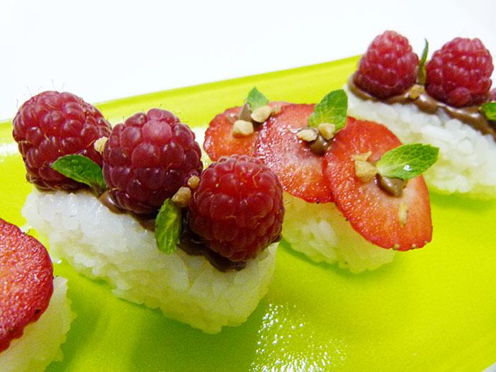 Nigiri de fresas chocolate y menta