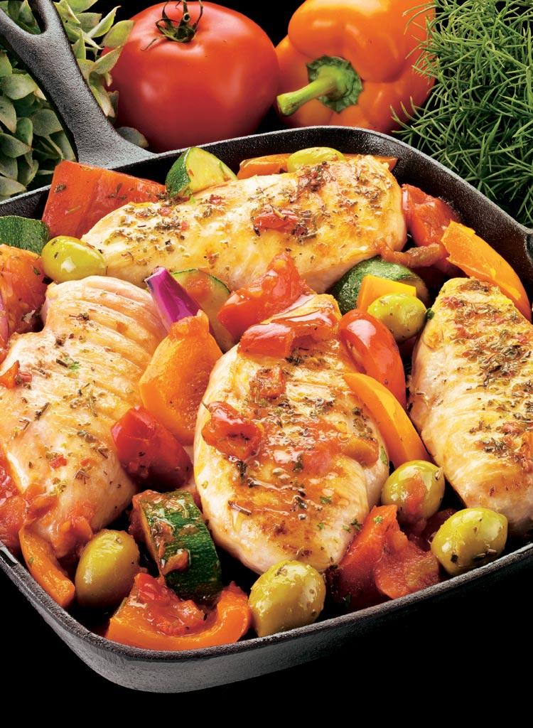 Sartenada de pollo con pimientos y aceitunas verdes