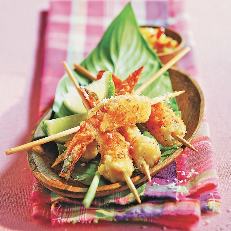 Pinchitos de langostino con coco rallado