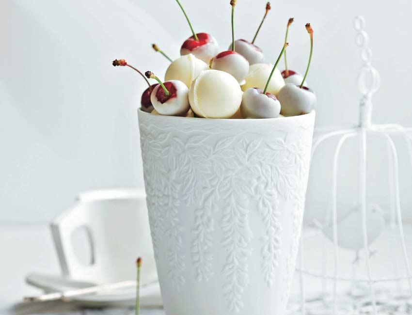 Baño Chocolate Blanco:Cerezas en baño de chocolate