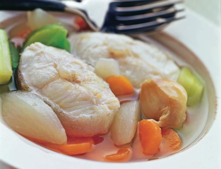 Hervido de merluza con verduras de la huerta