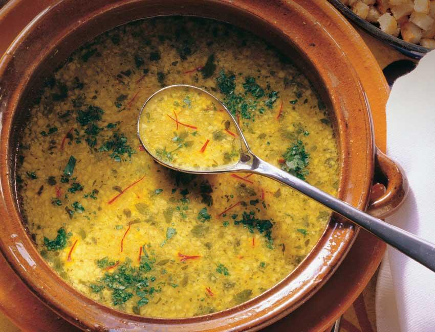 Sopa de almendras al aroma de cilantro y azafr n - Escuela de cocina azafran ...