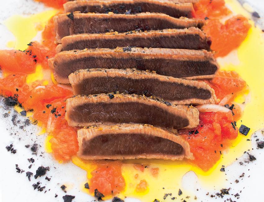 Trinchao de atún con sal negra