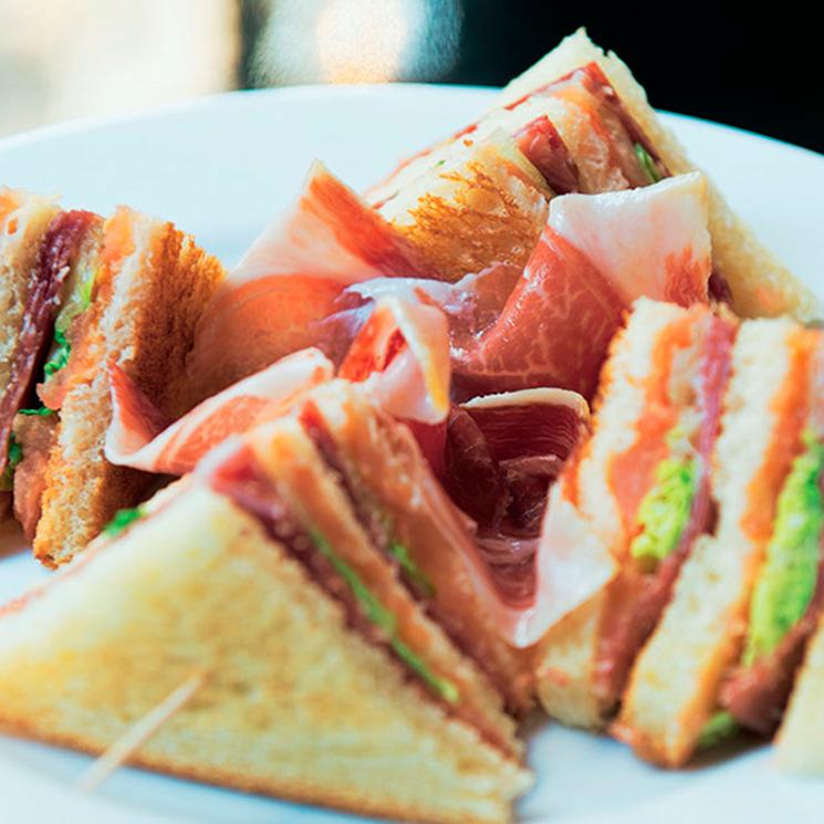 Sándwich club de jamón ibérico