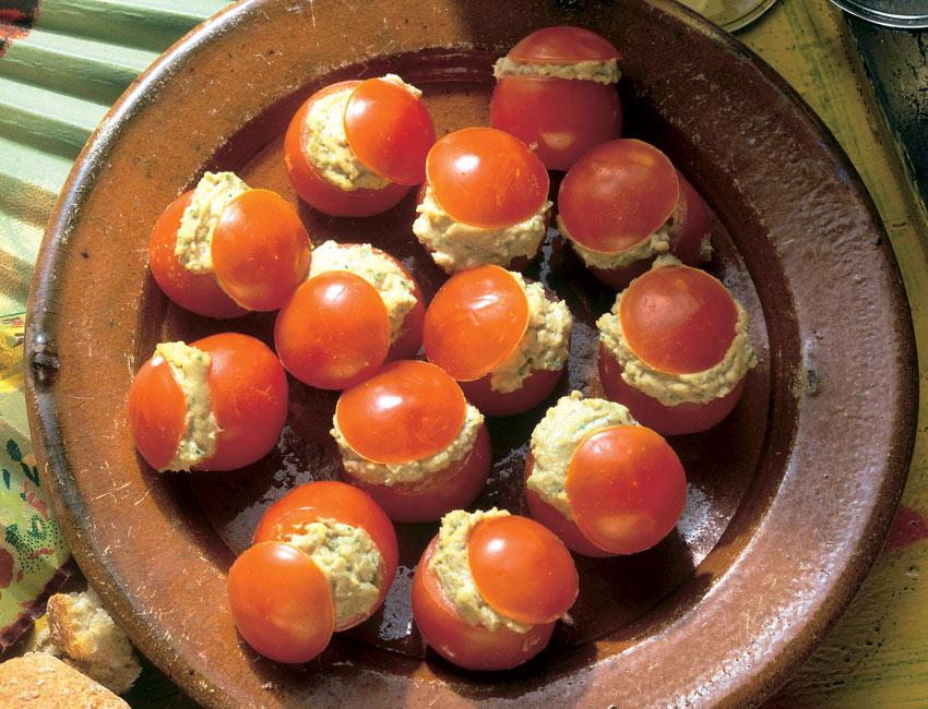 Tomatitos rellenos de paté de ahumados