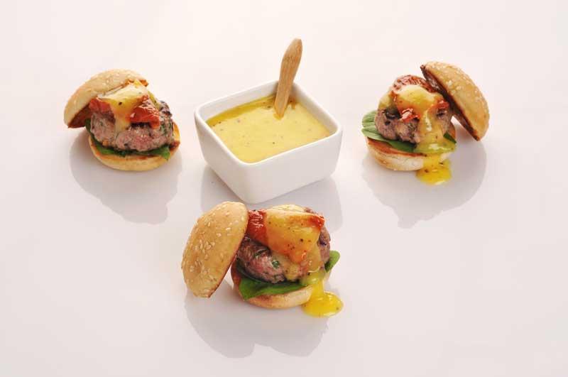 'Mini-hamburguesas' con kétchup de kiwi