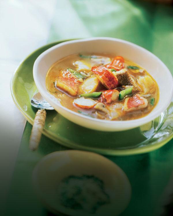 Suquet de bogavante y pescado con tirabeques