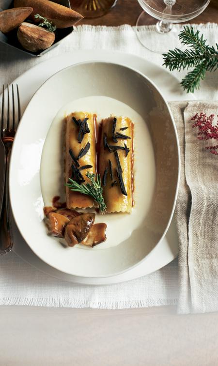 Canelones de pularda con boletus y salsa de trufa