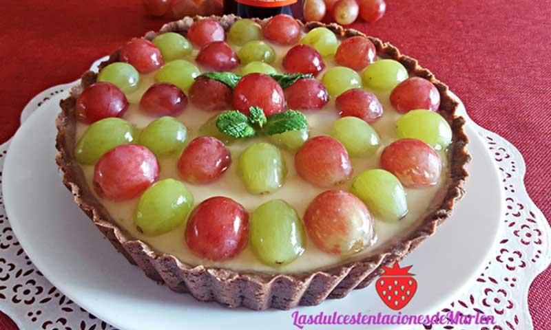 Tarta de uvas y crema de vino dulce