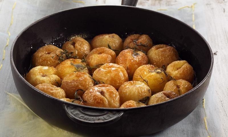 Albaricoques con hierbas y miel