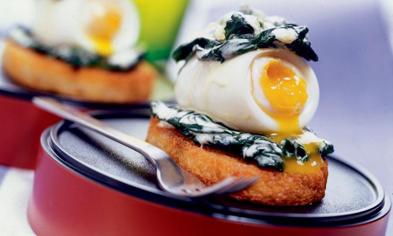 Huevo cremoso gratinado con espinacas