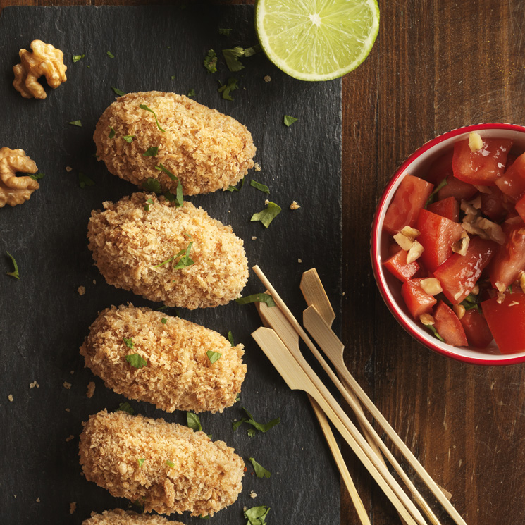 Croquetas de pollo, curry y nueces