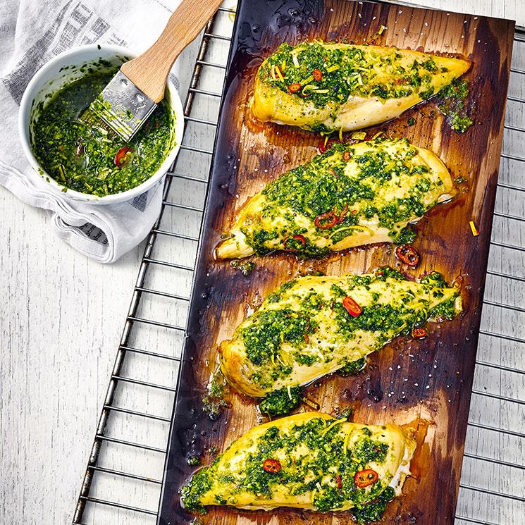 Pechugas de pollo con chimichurri de kale