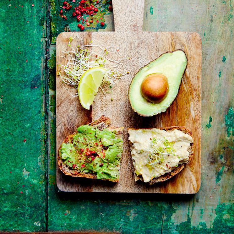 Tostas de guacamole y crema de berenjena