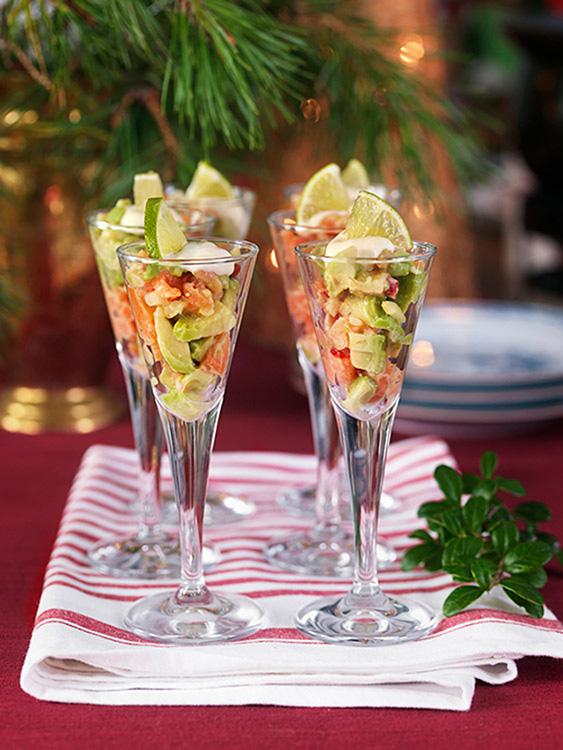 receta-coctel-ceviche-salmon-aguacate-frio