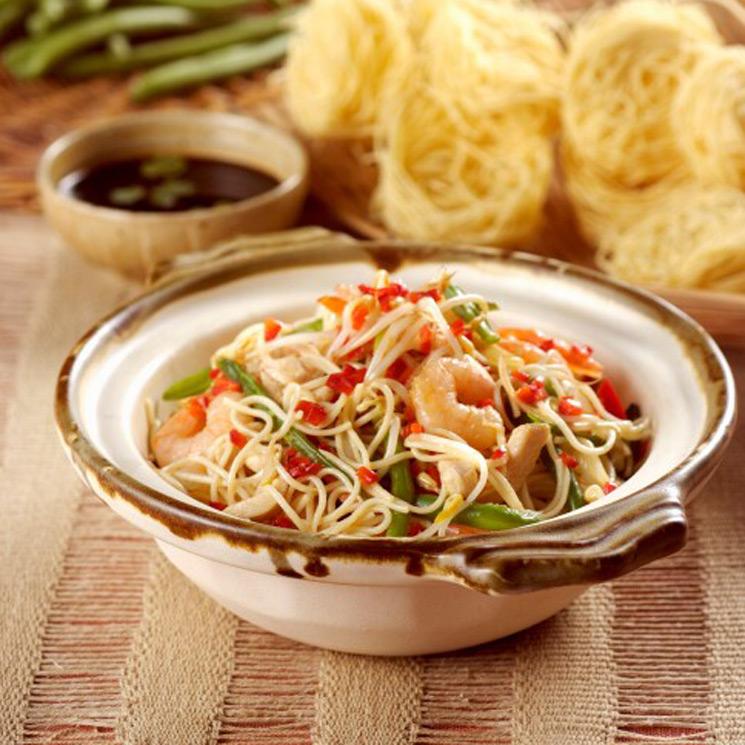 Espaguetis Con Pollo Gambas Y Trigueros