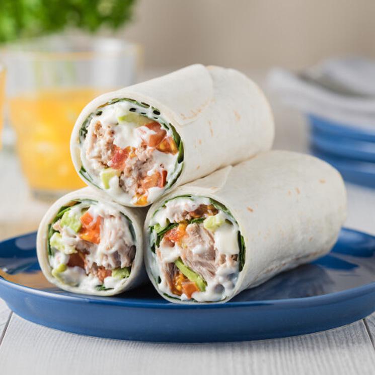 'Wraps' de atún, aguacate y tomate