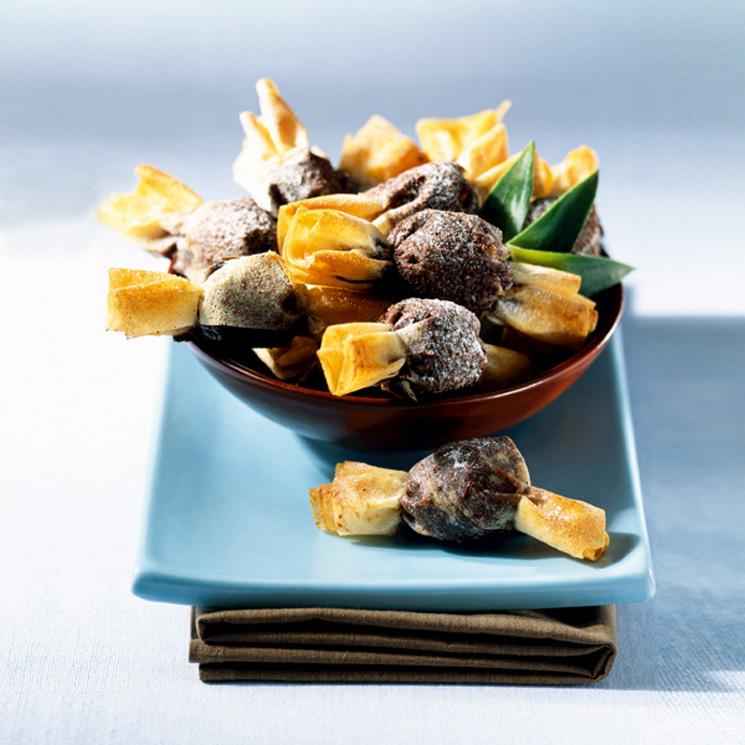 Caramelos de chocolate y piña crujiente